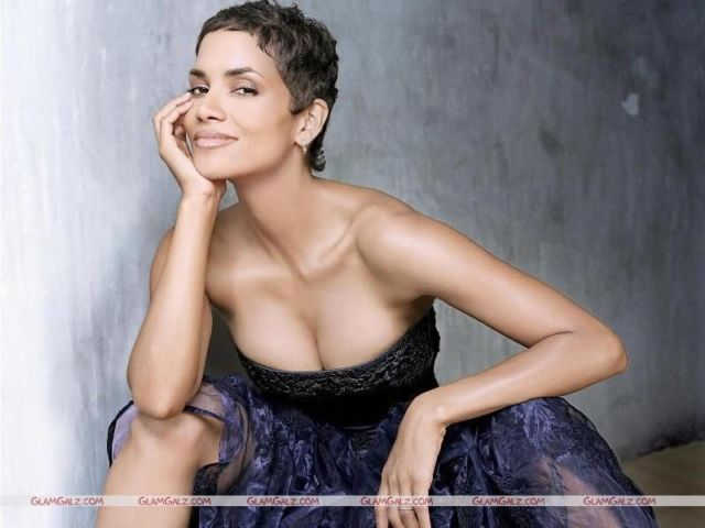 Click to Enlarge - Halle Berry Wallpapers