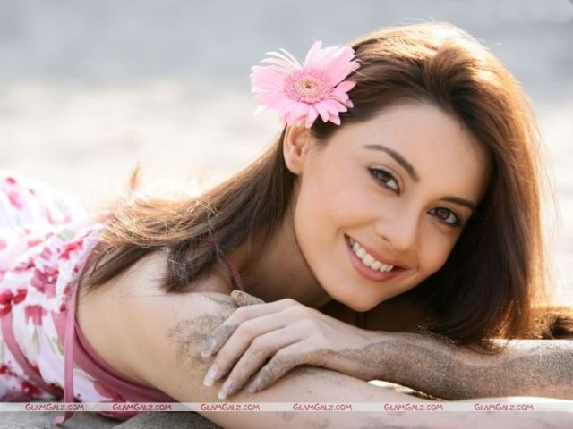 Click to Enlarge - Minisha Lamba Wallpapers