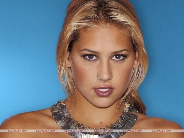 Click to Enlarge - Anna Kournikova Wallpapers