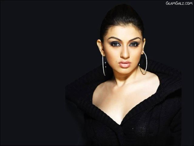 Click to Enlarge - Pretty Hansika Motwani Wallpapers