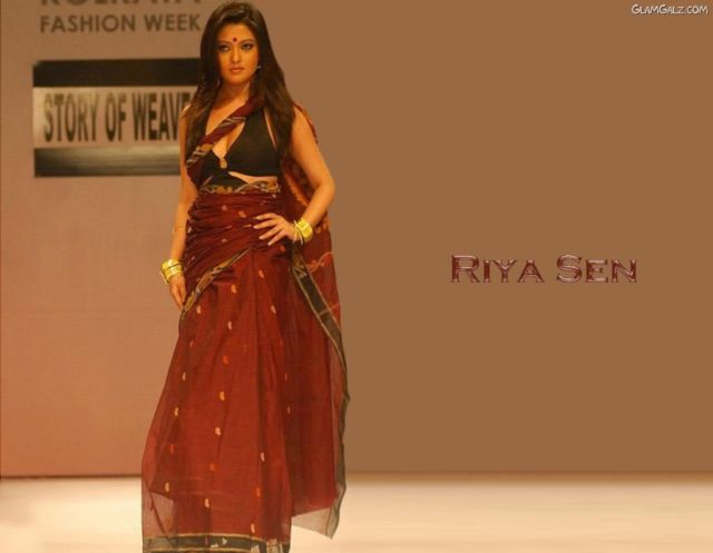 Click to Enlarge - Pretty Bollywood Beauty Riya Sen Wallpapers