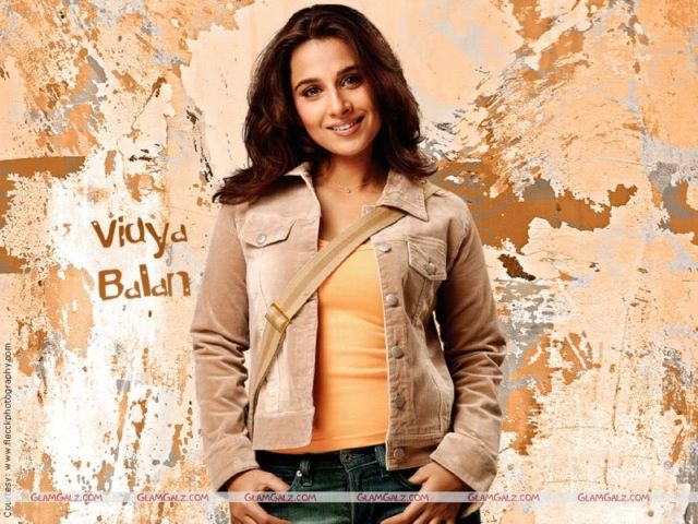 Click to Enlarge - Vidya Balan Sensational Wallpapers