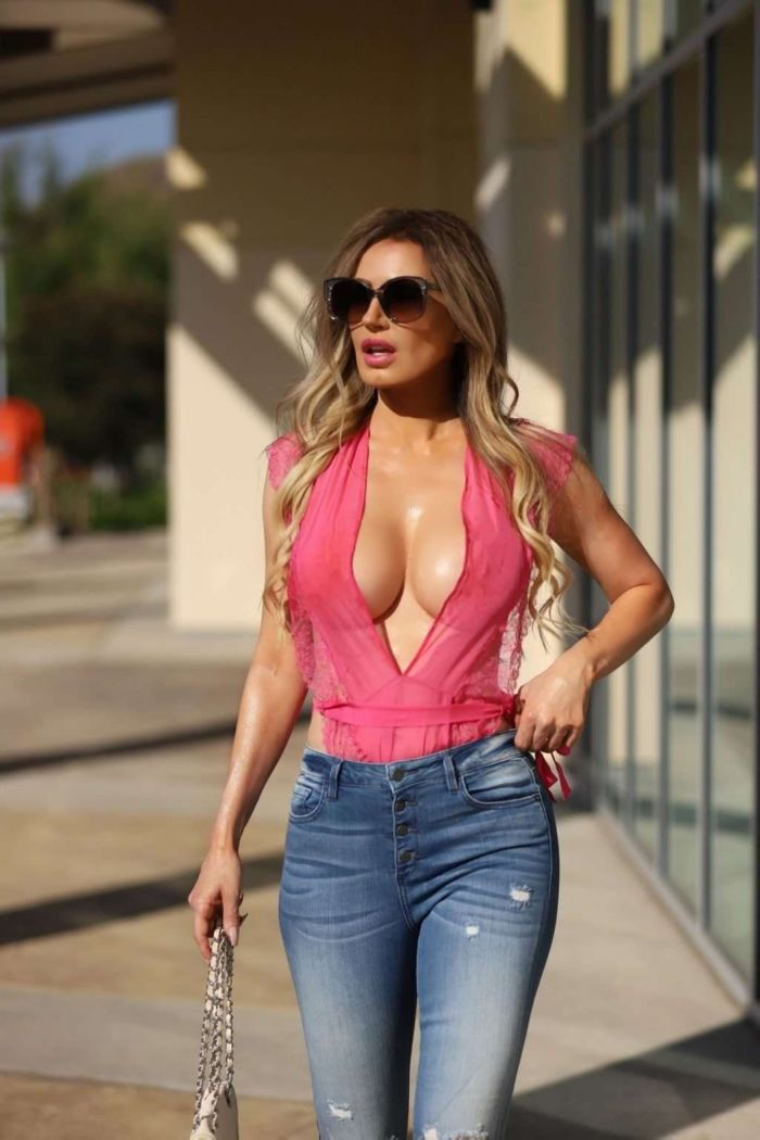 Gorgeous Ana Braga Spotted Out In Calabasas